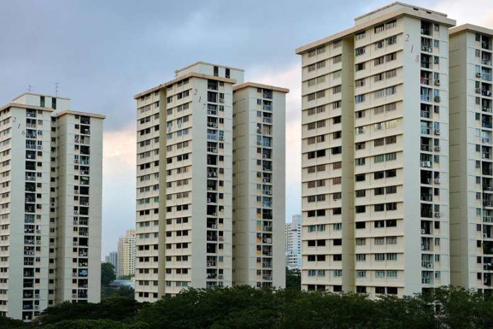 23 charts showing 5 room resale flat prices across Singapore