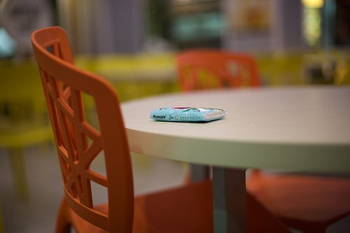 """Using Tissue Packets To """"Chope"""" Seats. Does It Make Economical Sense?"""