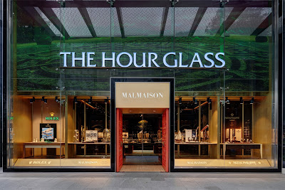The Hour Glass – 7.5x PER 4% Dividend Yield – Where Is The Love?