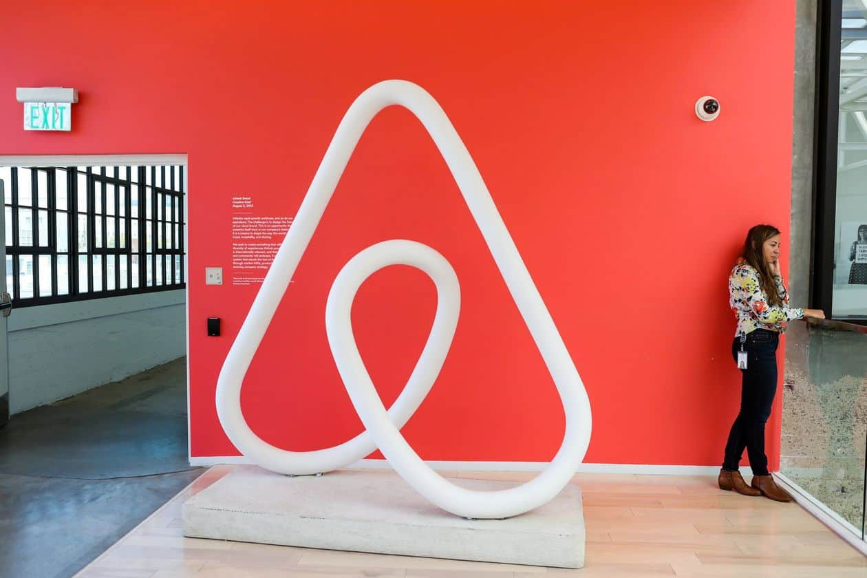 Unicorn Darling Airbnb Lays Off 25% of Workforce: An Employee's Account of What Really Happened