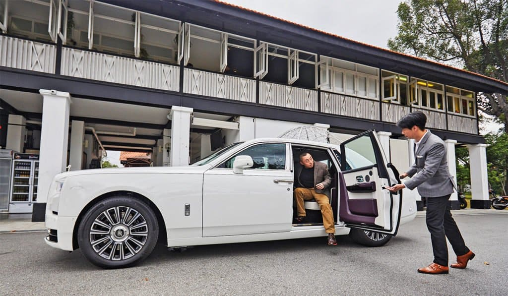 How Much Do You Have To Earn To Afford a Rolls-Royce Car?