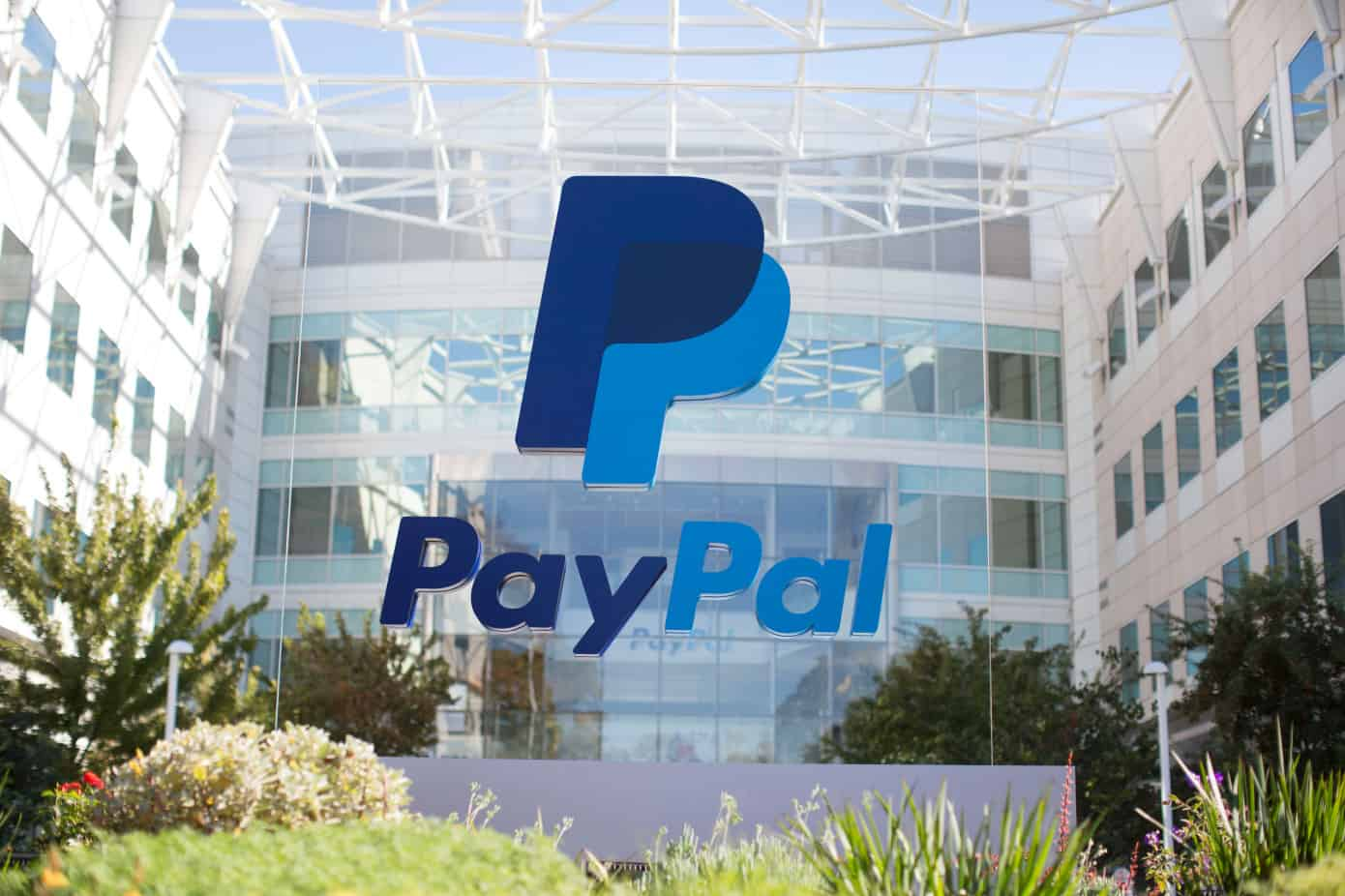Does PayPal Holdings Inc. (NASDAQ:PYPL) Make a Good Addition to Your Investment Portfolio? (GUEST POST)