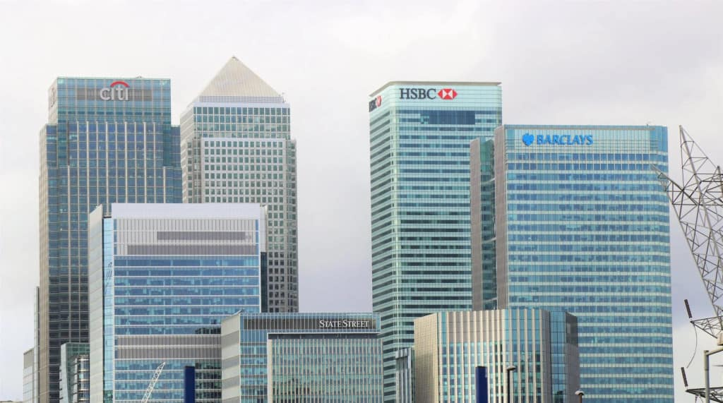 Best Paying Jobs after Graduation in Singapore? Investment Banking vs Consulting