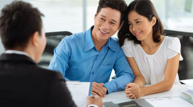 Banks vs Mortgage Brokers: Which One Should I Use To Refinance My Home Loan In Singapore?