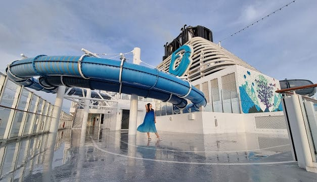 Cruise to Nowhere: Review of World Dream by Genting's Dream Cruises