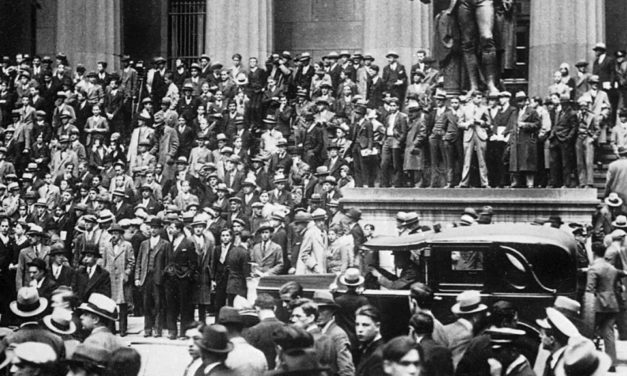 Is the Stock Market going to Crash? – Why I am switching my Portfolio (2021)