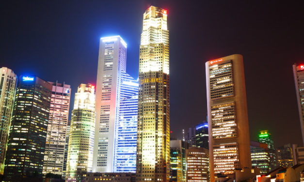 Singapore Bank Stocks Approach 52-Week Highs Ahead of Earnings: Are They Still a Buy?